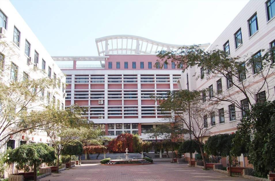 天津七中主教楼