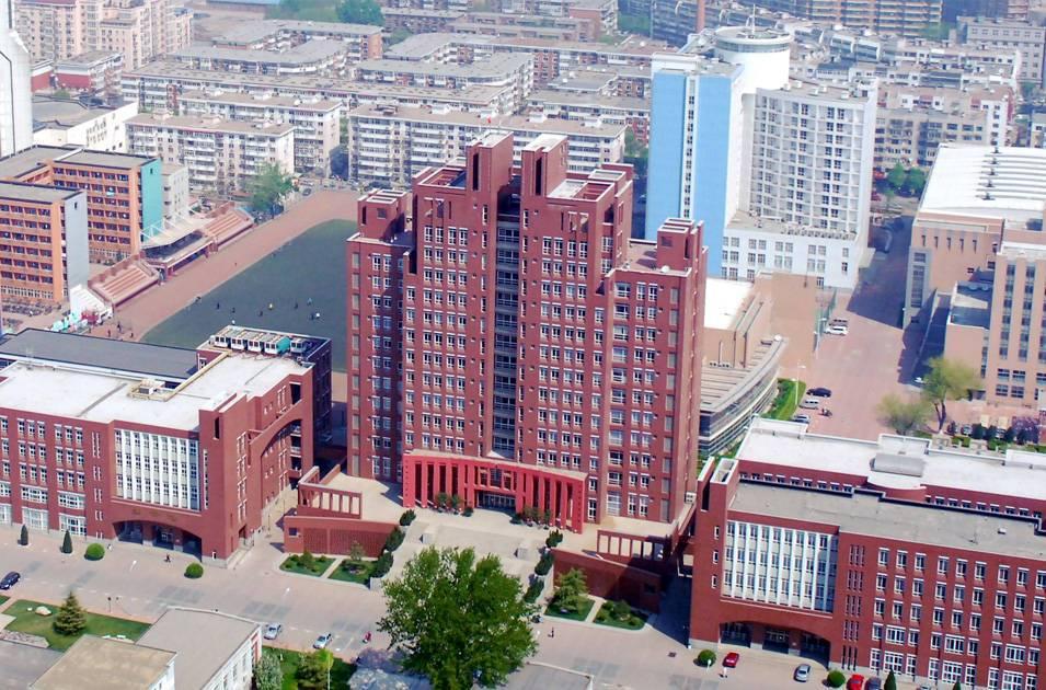 天津医科大学主教学楼及图书馆